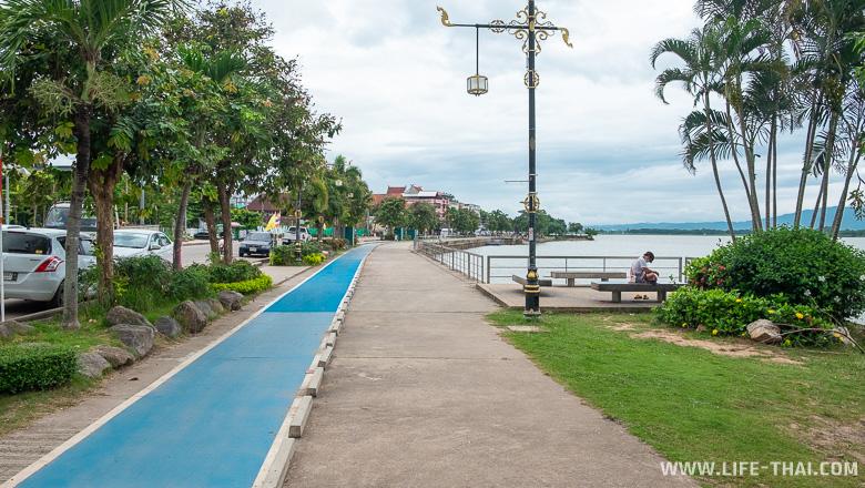 Велодорожки на набережной Пхаяо