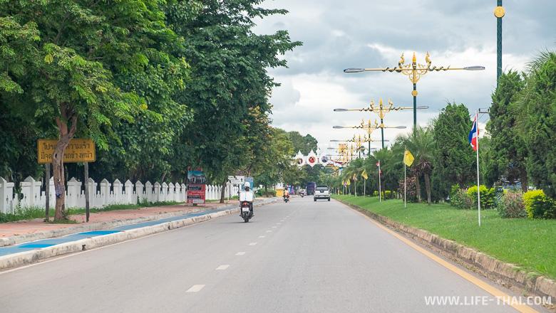Улица в Пхаяо
