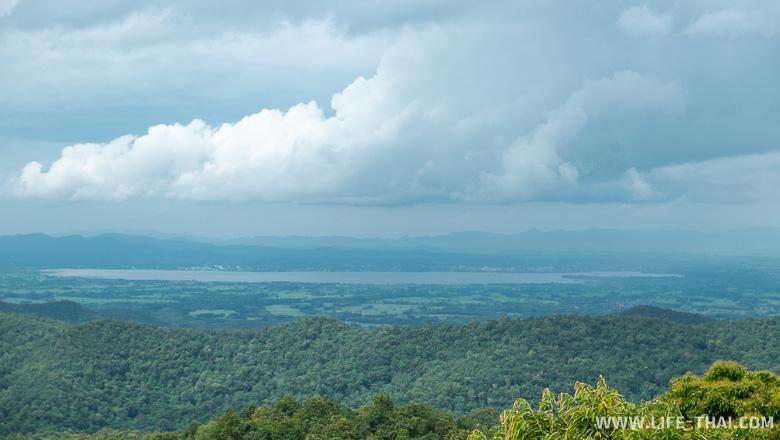Вид на озеро Пхаяо