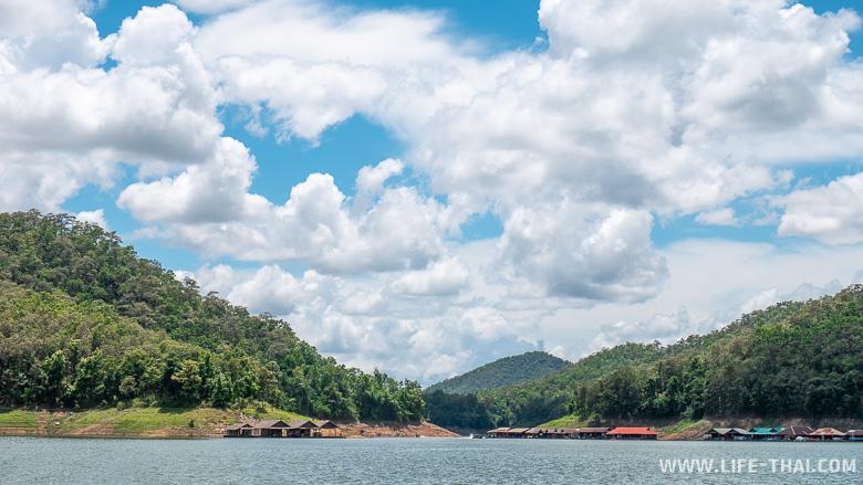 Пейзажи озера на севере Таиланда