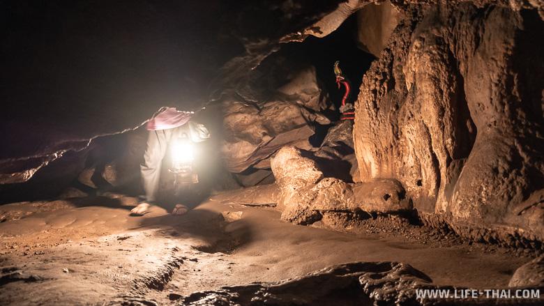 Неосвещённая часть пещеры Chiang Dao Cave