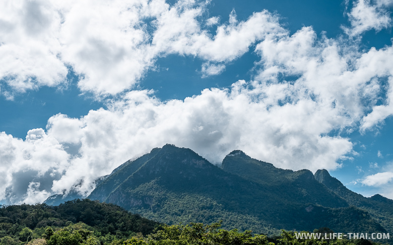 Облака над горой Чианг Дао