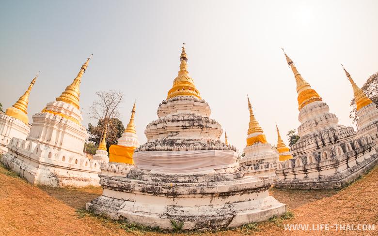 Что посмотреть в Лампанге - храм с башенками