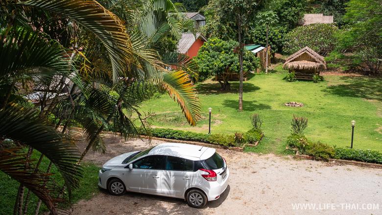 Территория гестхауса, где мы остановились в Чианг Дао