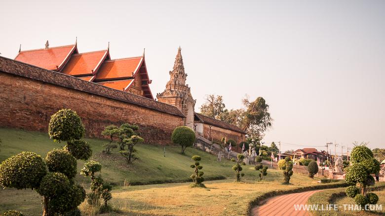 Храм Ват Пратат Лампанг Луанг - главная достопримечательность Лампанга