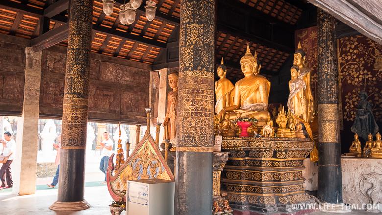Главный молитвенный зал в храме - без стен