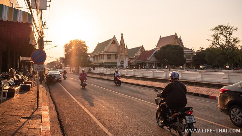 Улицы Бурирама, Исан, Таиланд