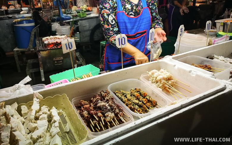 Цены на еду на рынке в Чиангмае