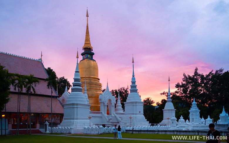 Что посмотреть в Чиангмае - Ват Суан Док, один из красивейших храмов Чиангмая