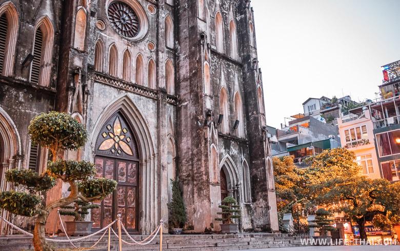 Что посмотреть в Ханое самостоятельно - католический собор