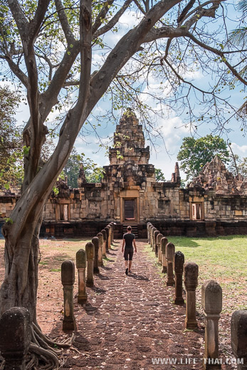 Кхмерский храм эпохи импреии Ангкора в Таиланде
