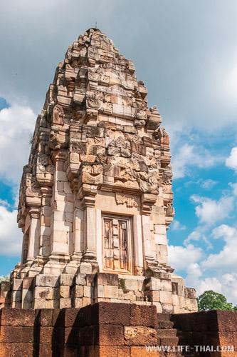 Главное святилище в Прасат Садок Кок Тхом в Са Кео