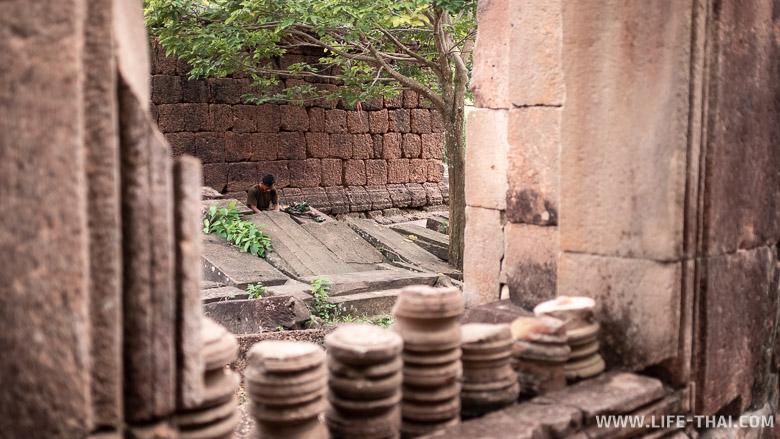 Кхмерские храмы на Тайско-Камбоджийской границе