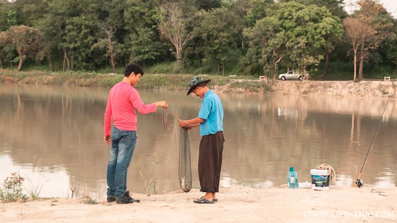 Рыбалка на озере в Чиангмае