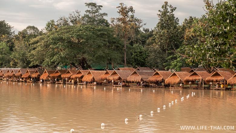 Ресторан на воде в Чиангмае