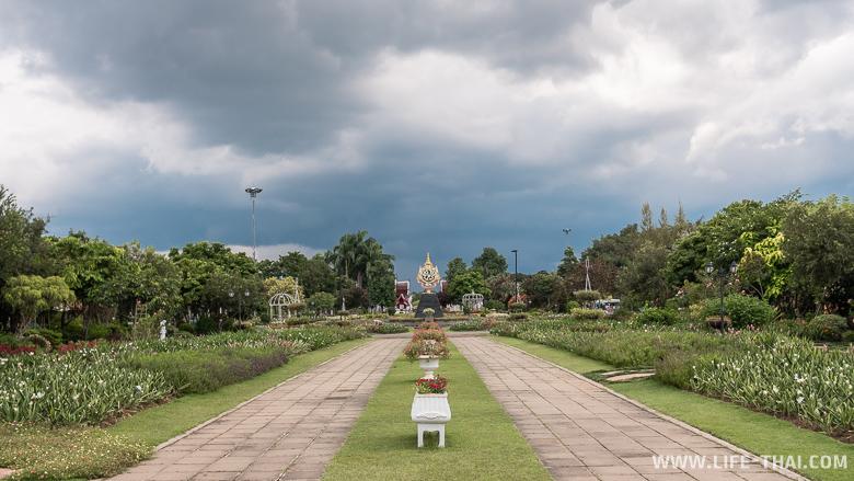 Территория парка Раджапрук