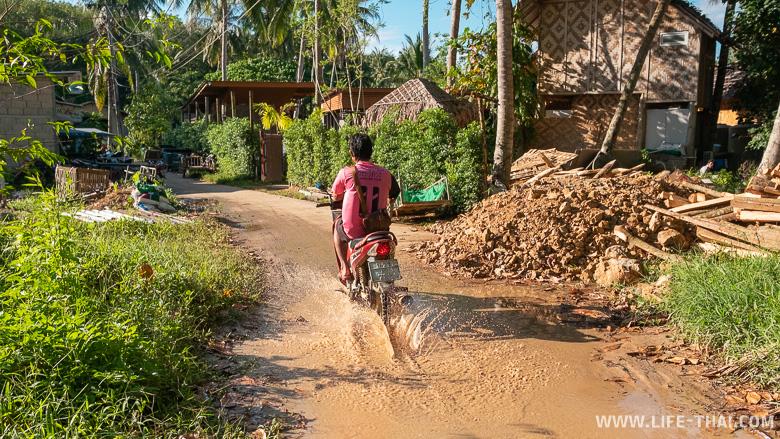 Дороги на острове ко Мук в Таиланде