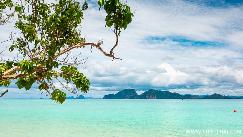 Вид на соседние острова с Крадана