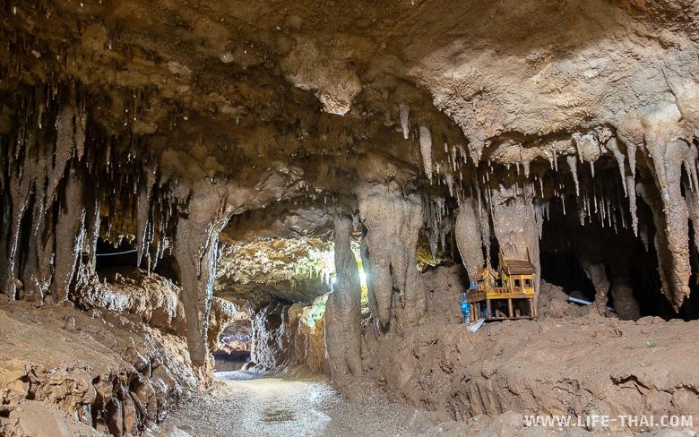 Пещера Глотка дракона в Транге - Tham Le Khao Kob