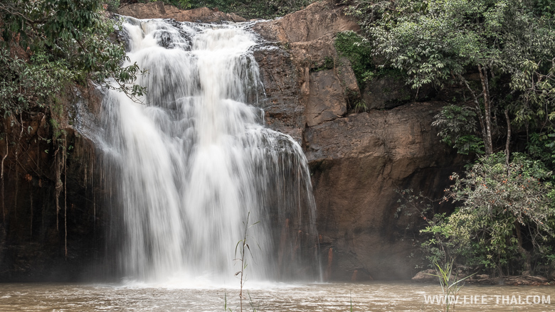 Водопад Angtong недалеко от Транга