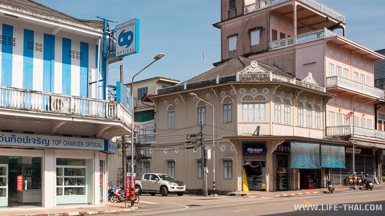 Колониальные здания в Транге, Таиланд