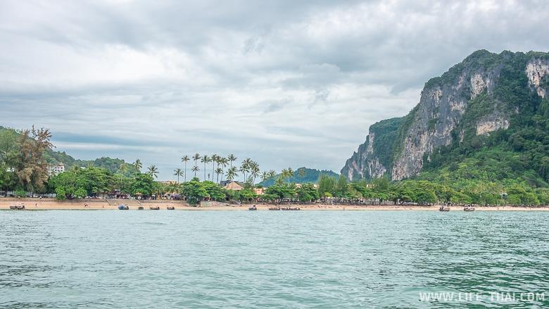 Пляж Ао Нанг в Краби, вид с воды