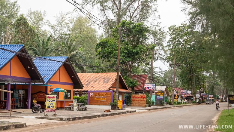 Улица вдоль пляжа Pak Meng, Транг