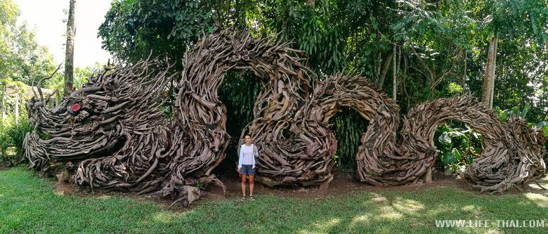 Скульптура дракона из корней дерева theptaro