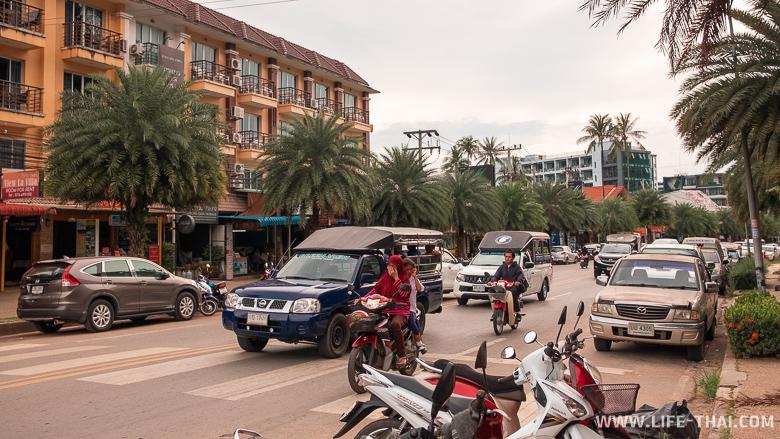Трафик на дорогах в Ао Нанге, Краби
