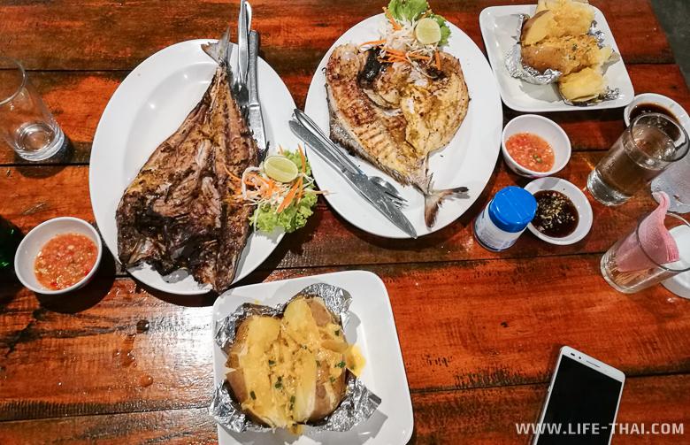 Еда и цены в ресторанах на ко Липе
