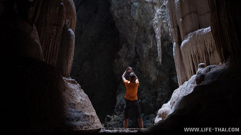 Игорь в пещере