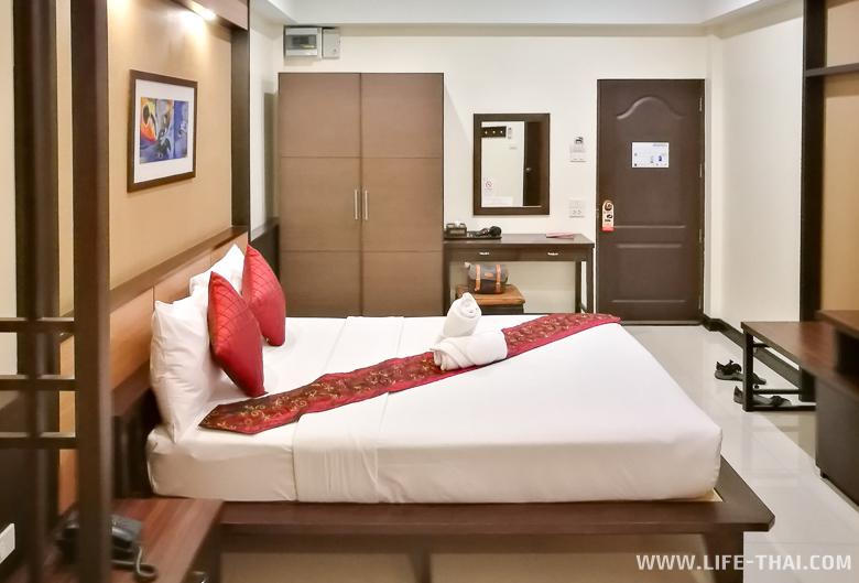 Номер в недорогом отеле в Чиангмае