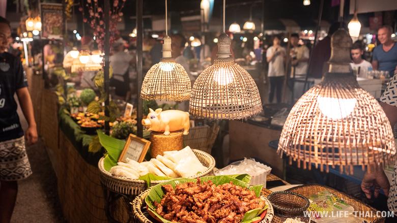 Ночной рынок Tamarind в Хуа Хине