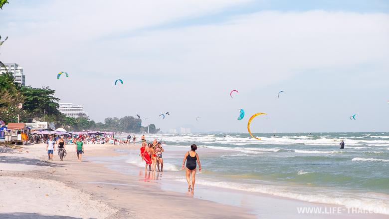 Пляж в Хуа Хине около отеля Интерконтиненталь