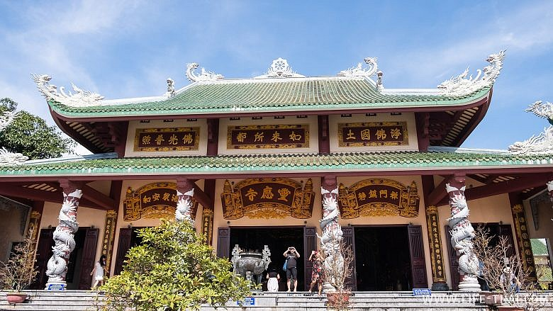 Храм Chua Linh Ung в Дананге, Вьетнам