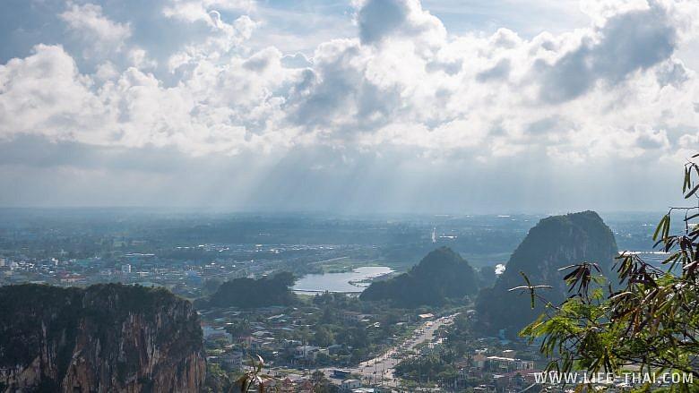 Вид на Дананг с Мраморных гор