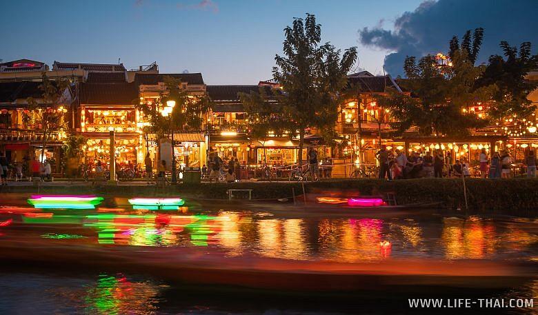 Лодки и каналы в Хойане