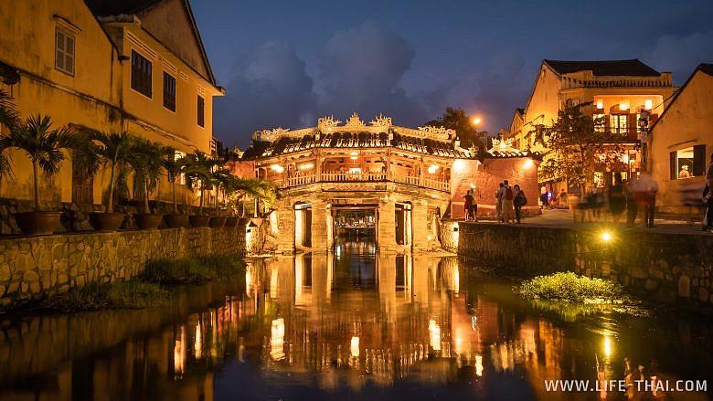 Японский мост - достопримечательность Хойана, Вьетнам