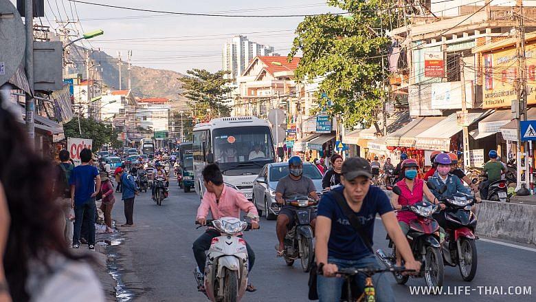 Дорожное движение в Нячанге