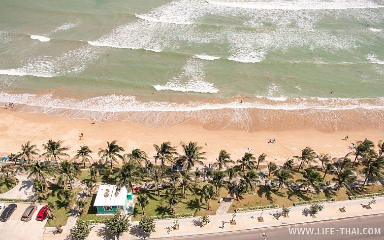Море и пляж в Нячанге
