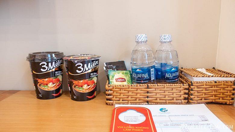 Вода, чай и лапша для гостей отеля Gaia Phuquoc