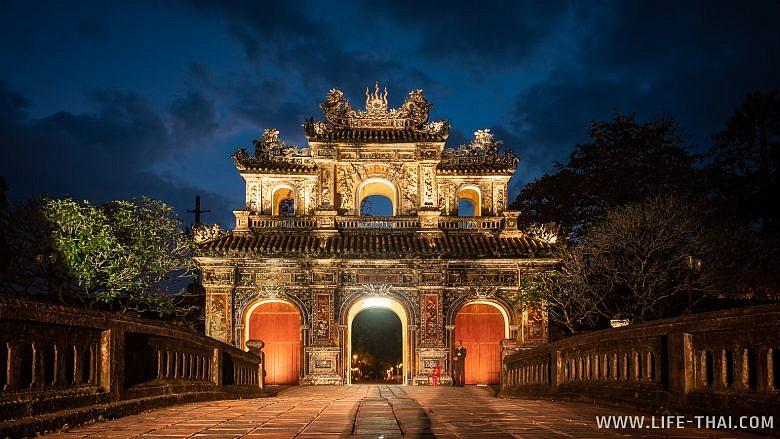 Восточные ворота в Цитадели
