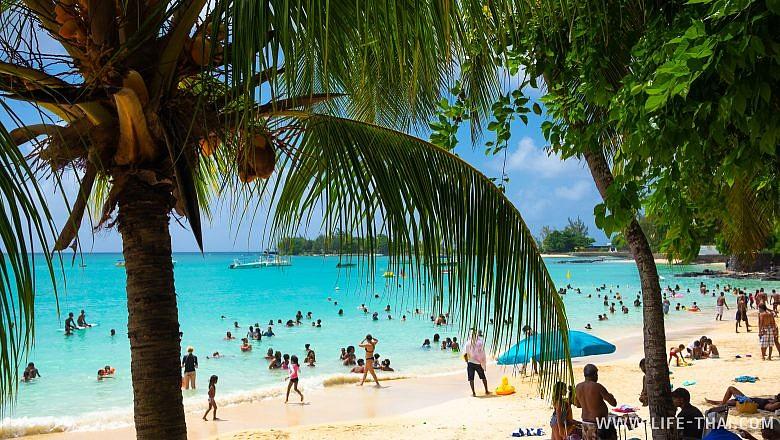 Как отдыхают местные на пляжах Маврикия