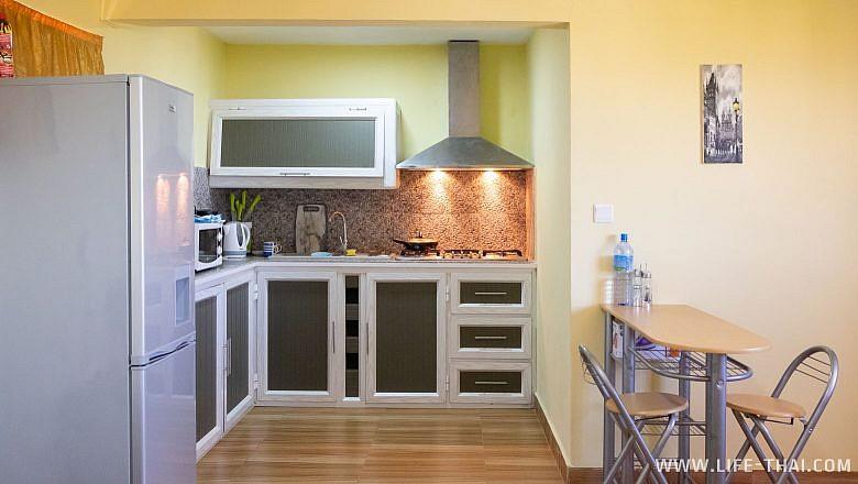 Кухня в квартире, которую мы сняли на Букинге