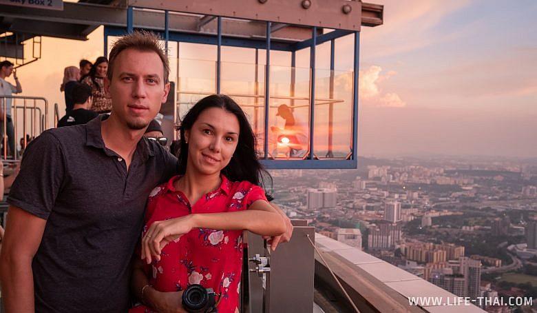 Мы в Куала Лумпуре на башне Менара