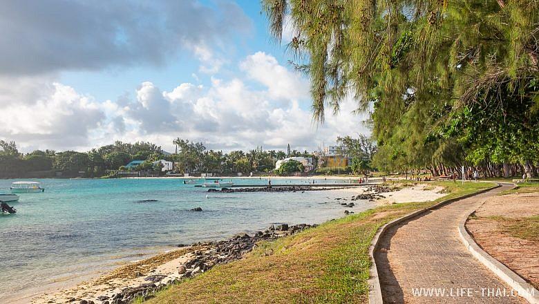 Пляж Блю Бей на Маврикии