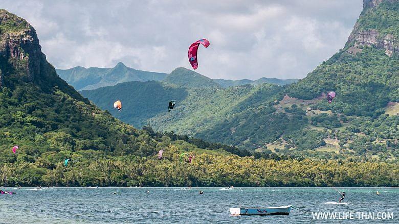 Кайтсерферы на Маврикии