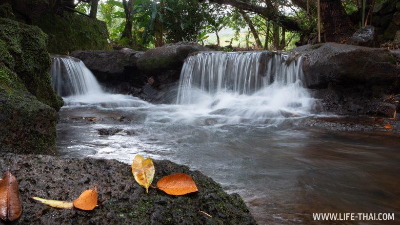 Водопад в парке Ла Валли Де Кулиерс на Маврикии