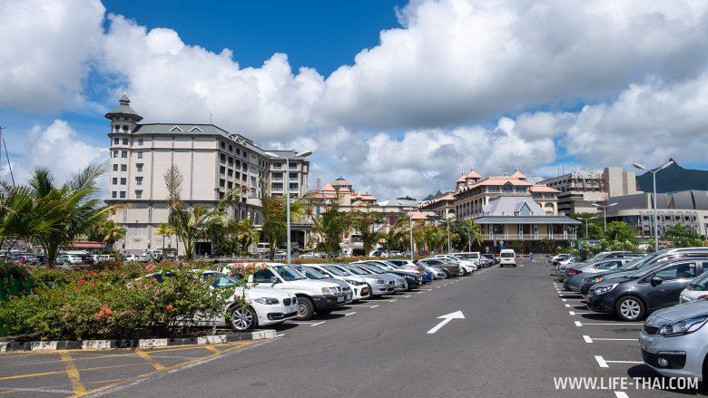 Набережная Caudan Waterfront в Порт Луи, Маврикий