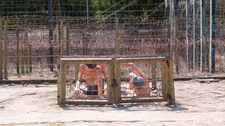 Кокосовая тюрьма - одна из достопримечательностей Фукуока
